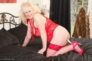 Horny Mature slut in red lingerie