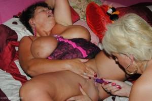 Busty Kim & Dimonty lesbian fuck